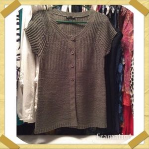 August Silk grey sweater Vest